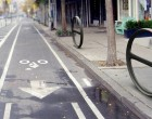 Accrocher son vélo à New-York, design de mobilier urbain