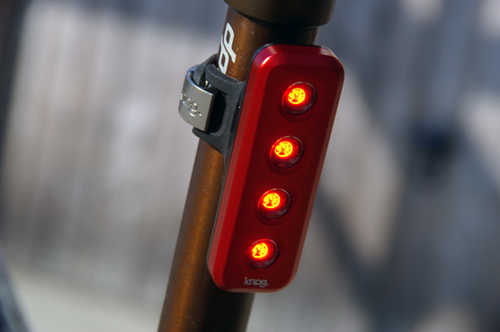 Weelz Test Knog Blinder (1)