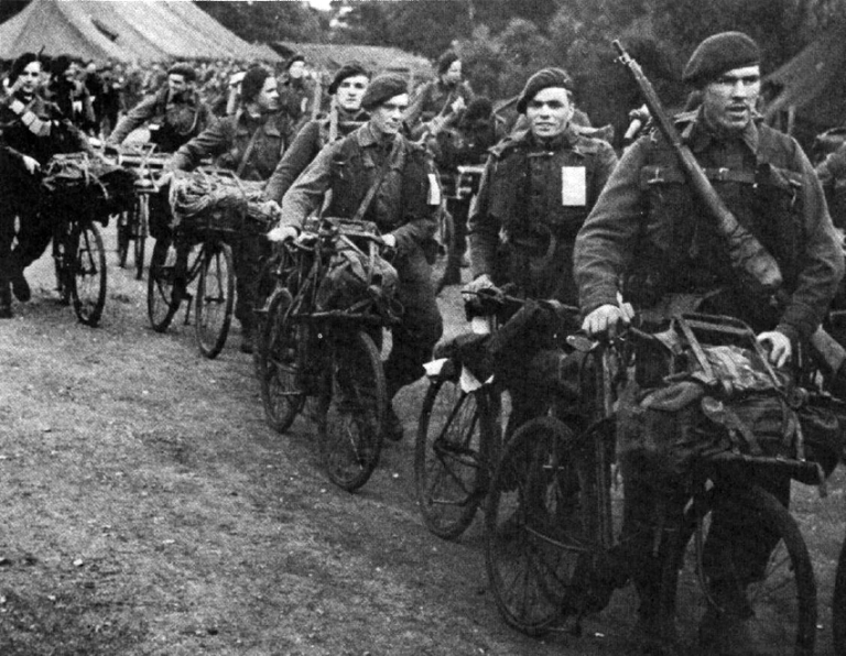 Gallery 1456175934 Bsa Bike Paratroopers