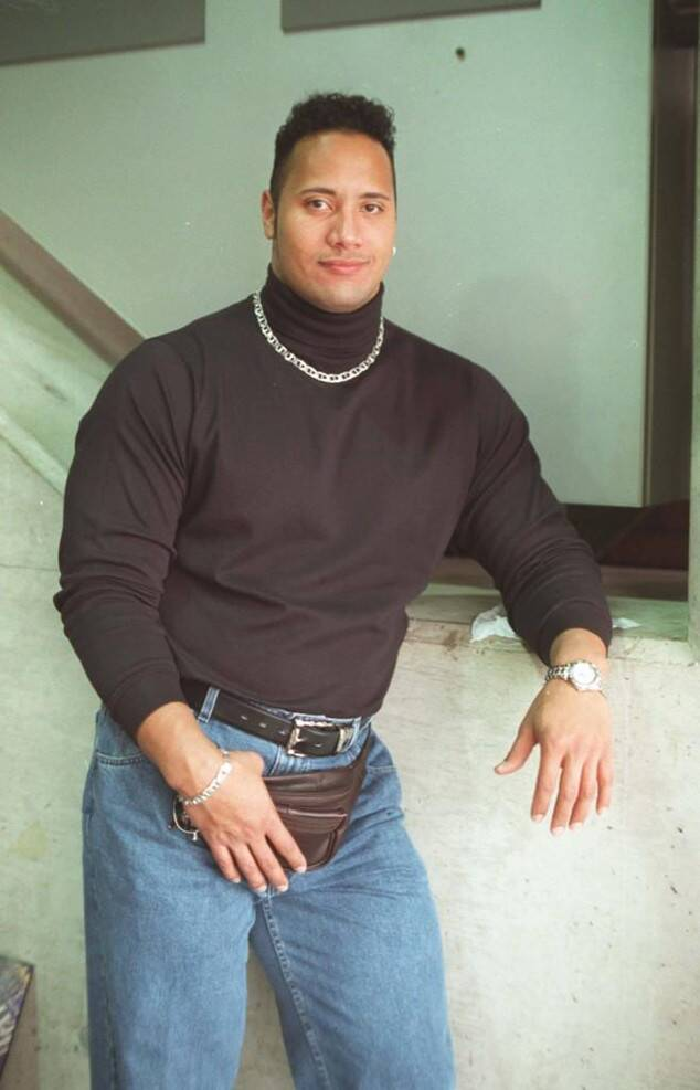Rs 634x987 140716105224 634 The Rock Fanny Pack Ls  71614