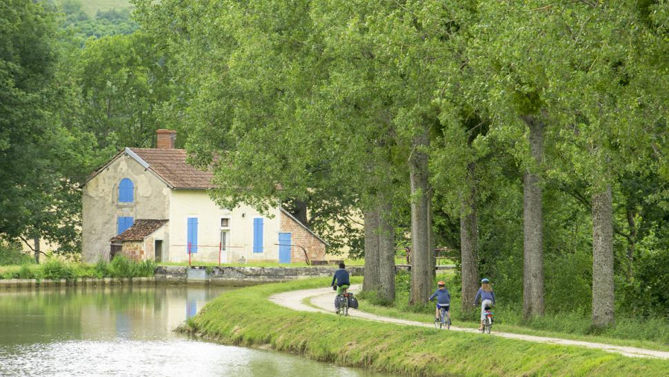Velos Canal Vers Pont Royal Photo Alain Doire Bourgogne