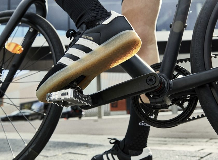 Adidas Samba, la chaussure iconique maintenant en version vélo